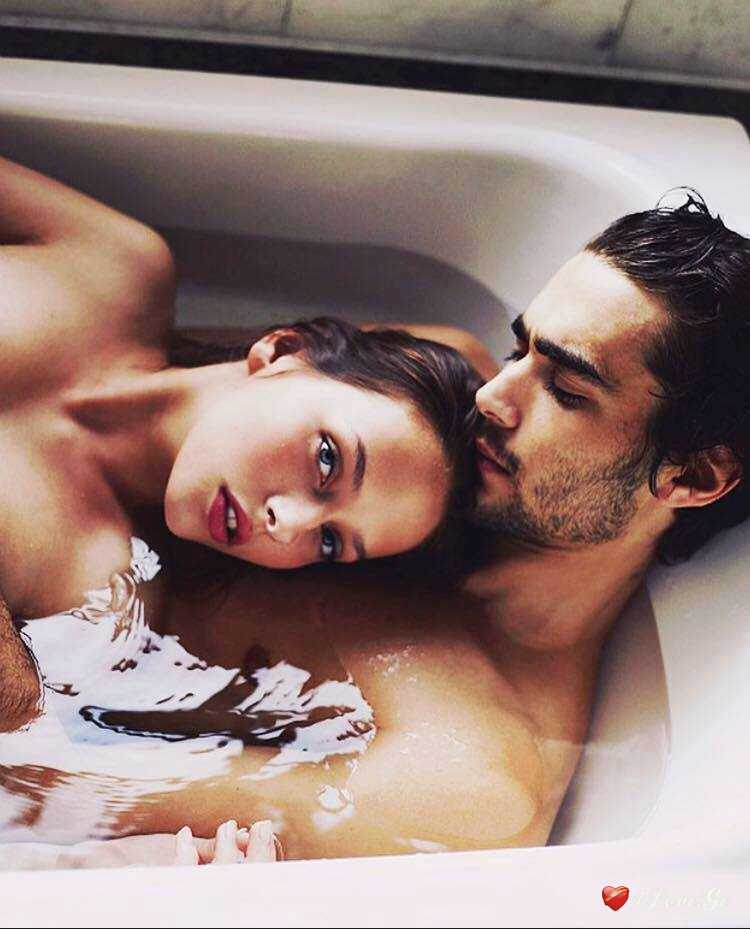 seks-v-vanne-s-lyubovnitsey-foto