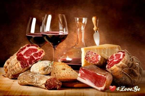 როგორ მივუსადაგოთ კერძები ღვინოს? რეკომენდაციები საახალწლო სუფრისთვის