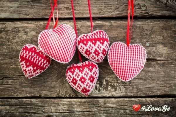 რატომ არ ჰგავს გულის სიმბოლო ნამდვილ გულს?