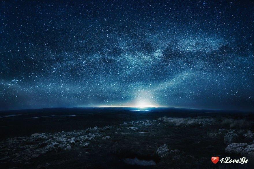 ცაზე ვარსკვლავები კრთიან